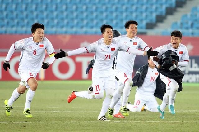 Thủ tướng Nguyễn Xuân Phúc điện thoại chúc mừng HLV Park Hang Seo và đội U23 VN