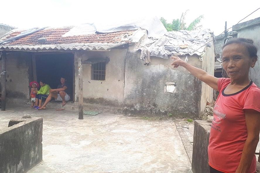 Tình cảnh vướng quy hoạch treo nên phải sống trong những ngôi nhà xập xệ mà không được sửa chữa ở tổ dân phố Thắng Lợi và Nhân Thắng. Ảnh: TT