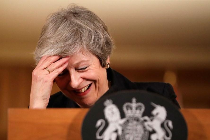 Thủ tướng Anh Theresa May trong cuộc họp báo ngày 15.11 ở số 10 phố Downing. Ảnh: Reuters