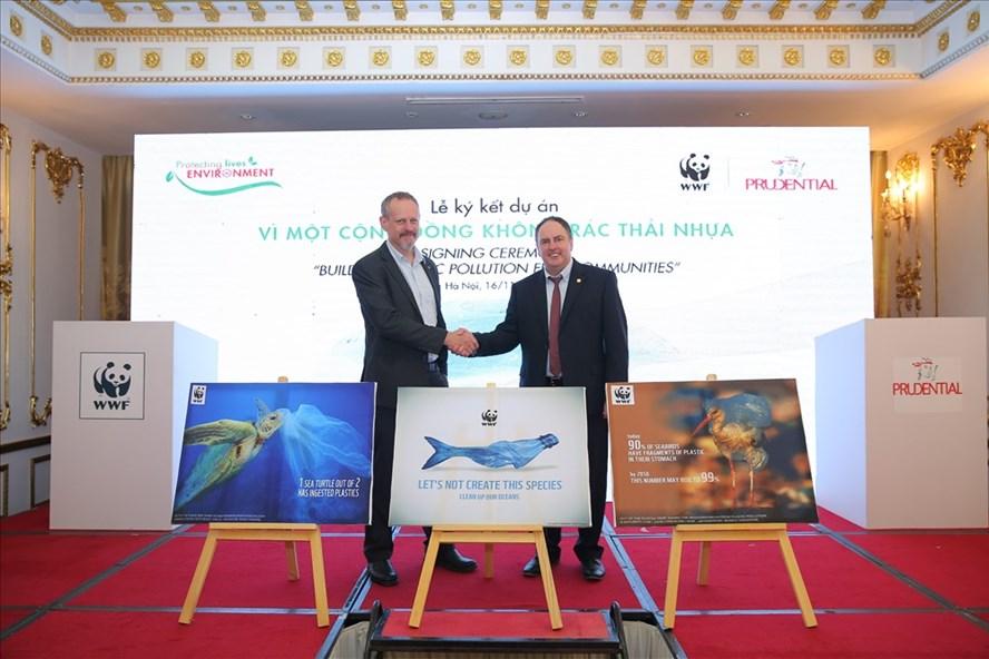 Lễ ký kết hợp tác giữa Prudential Việt Nam và WWF. Ảnh CTV