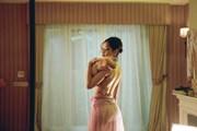Chi Pu gây tranh cãi bởi những cảnh quay hở hang phản cảm trong MV mới