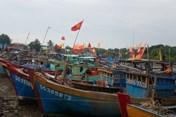 TPHCM: Cấm tàu, thuyền xuất bến từ 13h hôm nay để đối phó với bão số 9