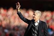 """Paris Saint-Germain, AC Milan và Real Madrid tranh giành """"Giáo sư"""" Wenger"""
