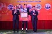 Cầu thủ Đoàn Văn Hậu được tỉnh nhà trao Bằng khen và tặng 50 triệu