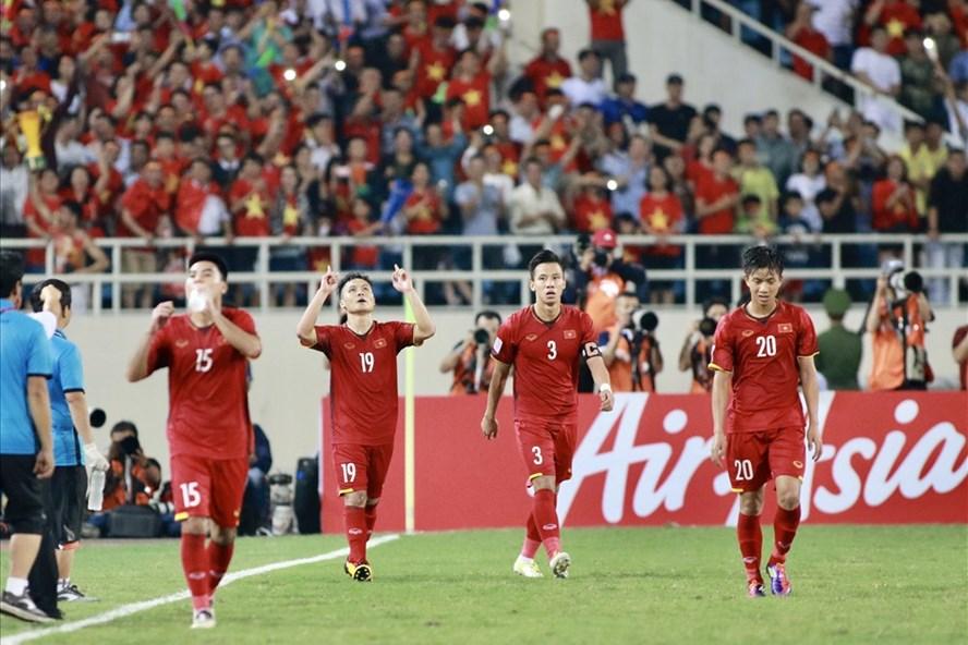 ĐT Việt Nam được VFF thưởng nóng số tiền 1 tỷ đồng với thành tích lọt vào trận chung kết. Ảnh: T.L