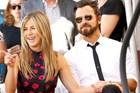Jennifer Aniston và Justin Theroux kết hôn vào tháng 8.2015. Sau đám cưới, báo chí nhiều lần đưa tin cuộc sống gia đình của hai ngôi sao thường xuyên xảy ra bất hoà.