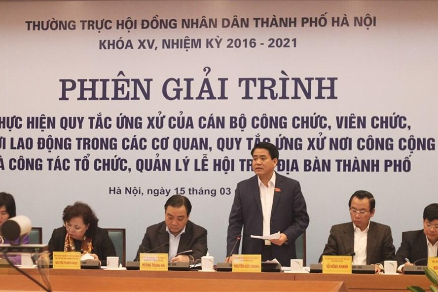Chủ tịch UBND thành phố Hà Nội Nguyễn Đức Chung tại phiên họp. Ảnh: Trần Vương