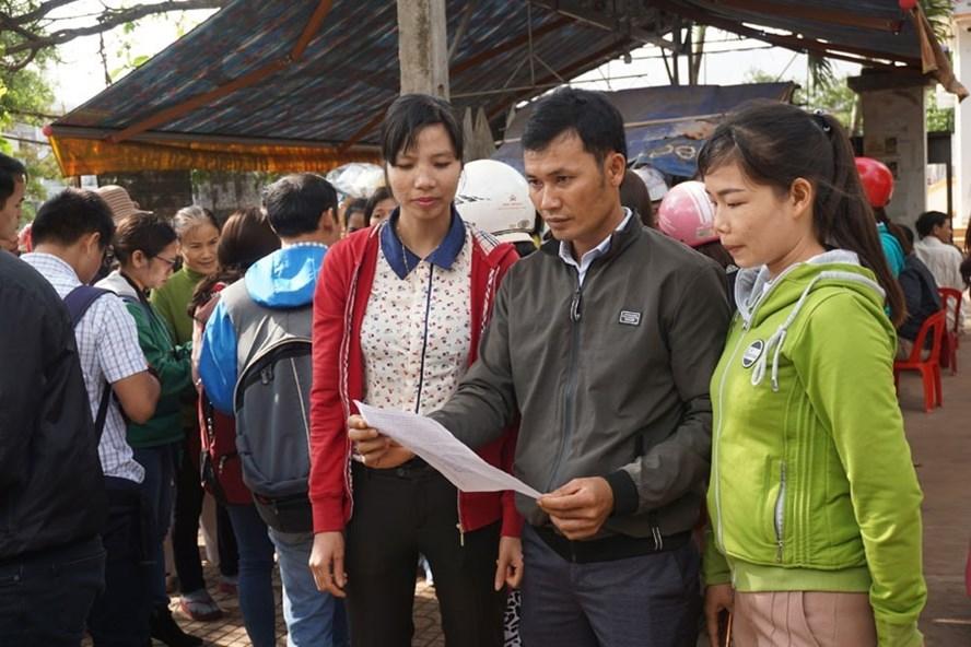 """500 giáo viên Đắk Lắk có nguy cơ """"ra đường""""."""