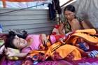 Xót xa mẹ ung thư cùng 2 con chờ chết trong túp lều tạm cạnh đình làng