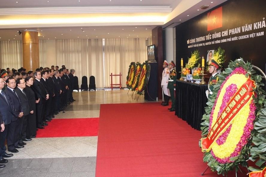 Lễ viếng nguyên Thủ tướng Phan Văn Khải tại Trung tâm Hội nghị Quốc tế (Hà Nội).