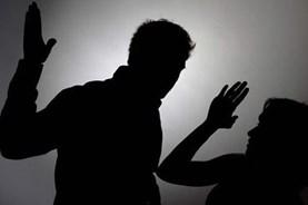 Xem xét kỷ luật một phó chủ tịch huyện tát, xúc phạm nhân viên