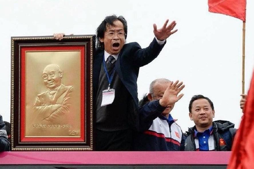 Ông Nguyễn Lân Trung cho rằng phó Chủ tịch Trần Quốc Tuấn xứng đáng để ngồi ghế Chủ tịch VFF nhiệm kì mới.