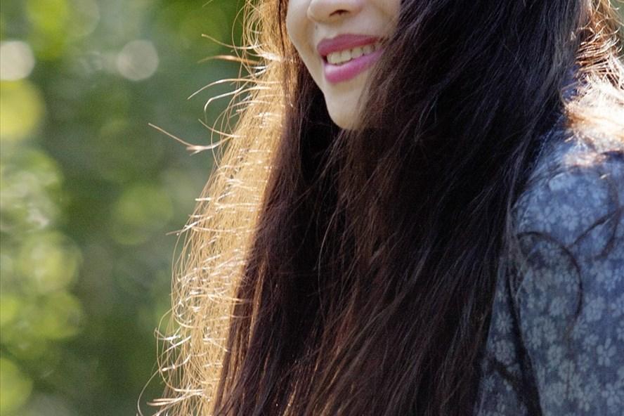 Họa sĩ Thúy Hương tên thật là Nguyễn Phạm Thúy Hương, sinh năm 1969 tại Đà Nẵng. Chị có nhiều triển lãm cá nhân ở Việt Nam và ở Tây Ban Nha với nhiều chất liệu: Sơn dầu, màu nước trên giấy, màu nước trên lụa, bột màu và phấn màu.