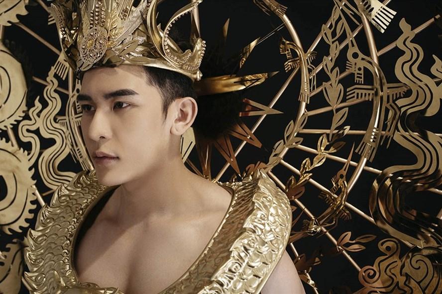 Siêu mẫu Trần Minh Trung trong trang phục dự thi. Ảnh: NVCC