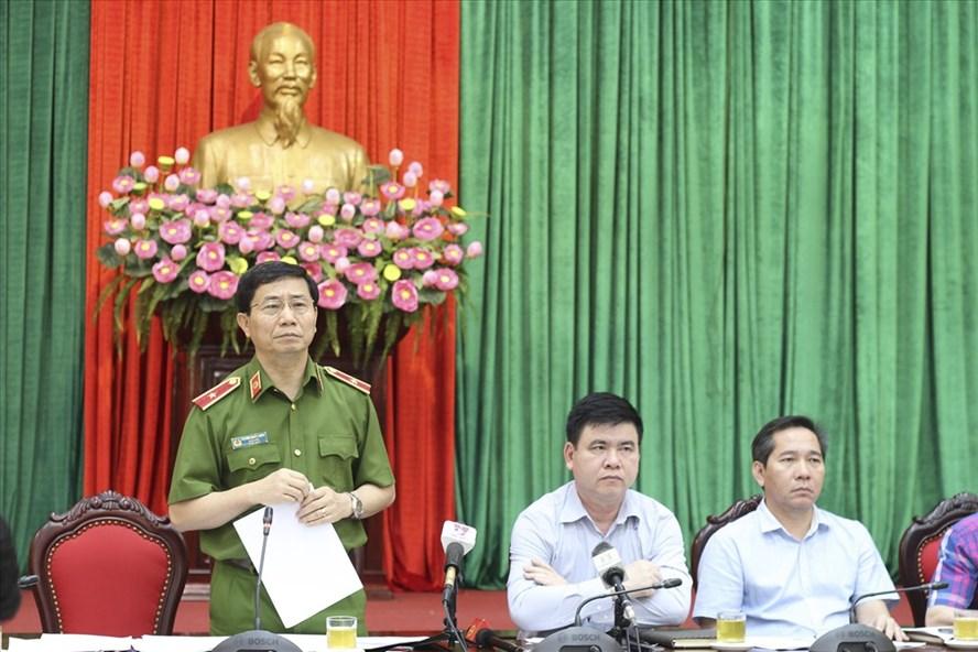 Thiếu tướng Hoàng Quốc Định - Giám đốc Cảnh sát PCCC Hà Nội phát biểu tại giao ban báo chí. Ảnh Trần Vương