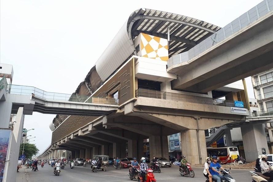 """Giá vé lượt tuyến đường sắt đô thị Cát Linh - Hà Đông dự kiến cao hơn vé xe buýt từ 30-37% được """"đa số chấp nhận? Ảnh: Trần Vương"""
