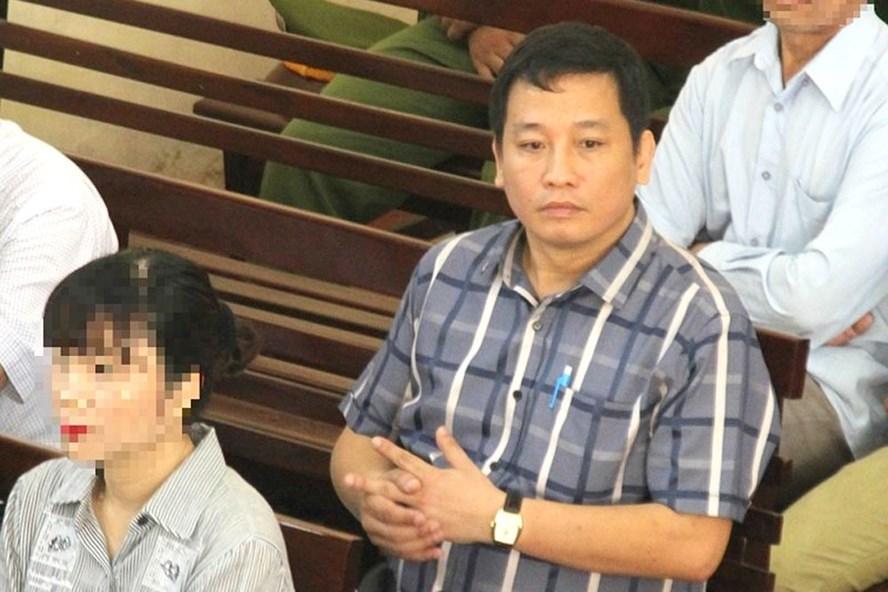 Luật sư Đỗ Quốc Quyền đại diện uỷ quyền cho ông Trương Quý Dương - nguyên giám đốc BV đa khoa tỉnh Hoà Bình.