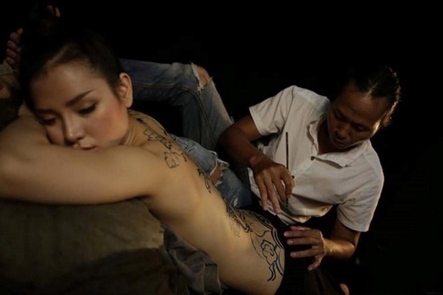 Phương Trinh Jolie và họa sĩ Ngô Lực.