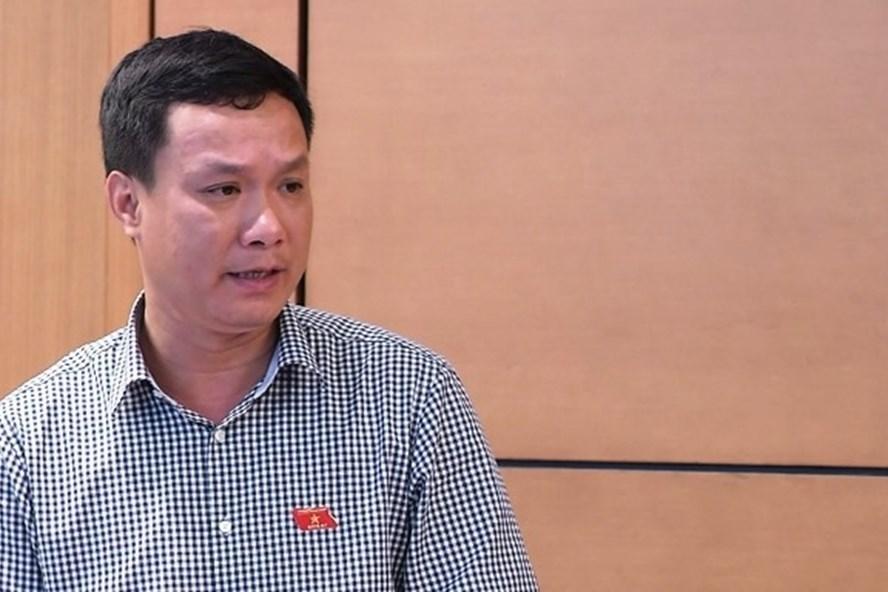 Đại biểu Triệu Thế Hùng, đoàn ĐBQH tỉnh Lâm Đồng. Ảnh truyền hình Lâm Đồng