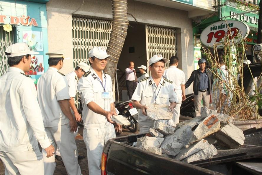 Chủ tịch Huỳnh Đức Thơ đã nhận được thư cầu cứu về chất lượng phục vụ nhân dân của đội quy tắc đô thị quận Hải Châu. Ảnh: N.T