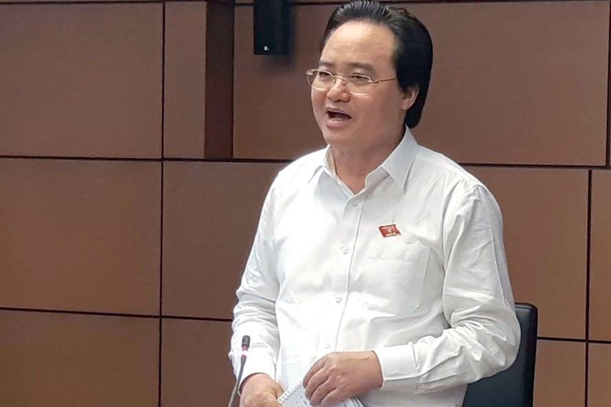 Bộ trưởng Bộ Giáo dục Đào tạo Phùng Xuân Nhạ.