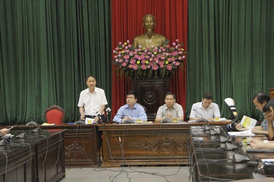 Ông Nguyễn Anh Dũng - Phó Tổng Giám đốc Tổng Công ty Điện lực TP Hà Nội phát biểu tại giao ban.