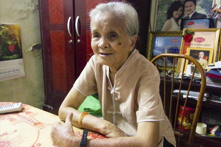 Bà Nam - người mở lớp học tình thương hơn 20 năm nay. Ảnh: N.C