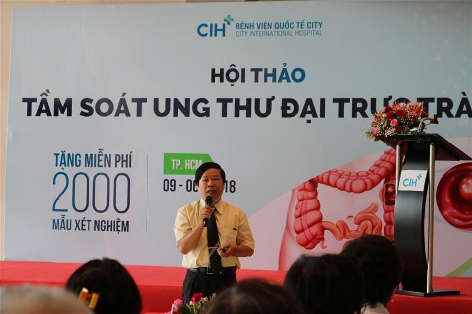 Ths. Bs. Nguyễn Phước Lâm cung cấp những thông tin về bệnh ung thư đại trực tràng trong hội thảo.