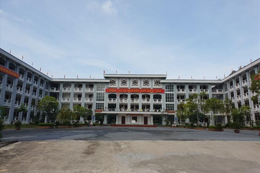 Những ngày qua, Trường THPT chuyên Hà Giang - nơi nhiều thí sinh sửa điểm theo học là tâm điểm của xã hội. Ảnh: HN
