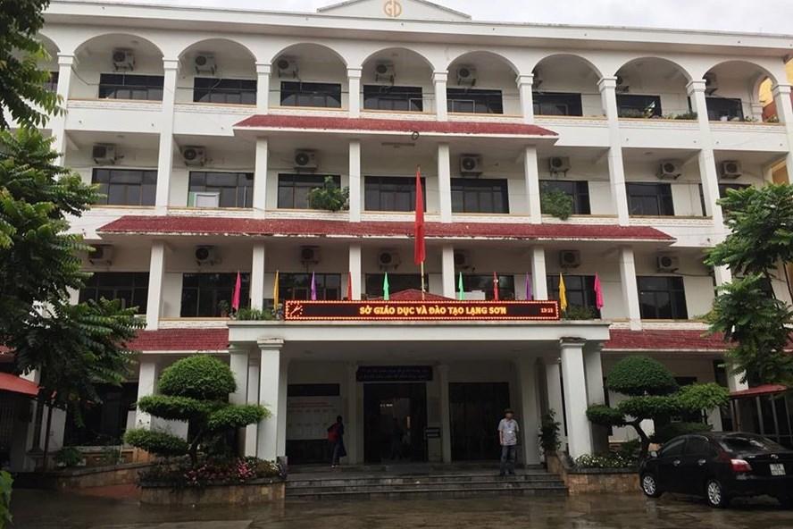 Đến 18h cùng ngày Đoàn công tác của Bộ GDĐT vẫn đang làm việc với Sở GDĐT Lạng Sơn về những bất thường trong điểm số. Ảnh: Nguyễn Hà