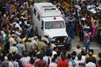 Nóng nhất hôm nay: Thực hư vụ 11 người trong gia đình Ấn Độ chết trong tư thế treo cổ