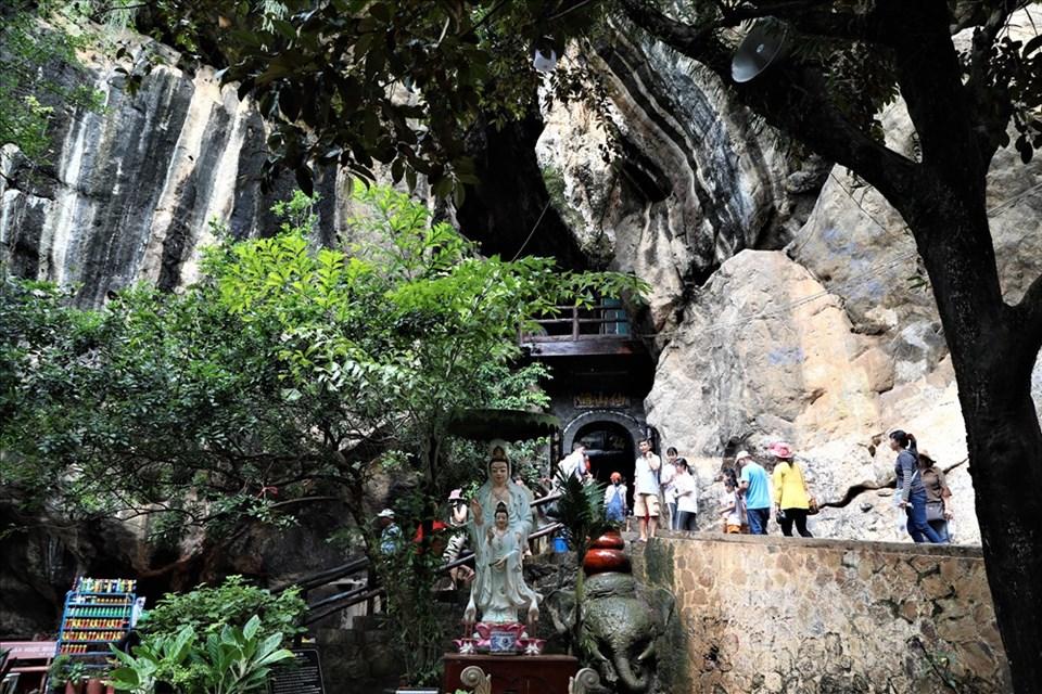 Đến Hà Tiên, đừng bỏ qua vẻ đẹp của hang Thạch Động