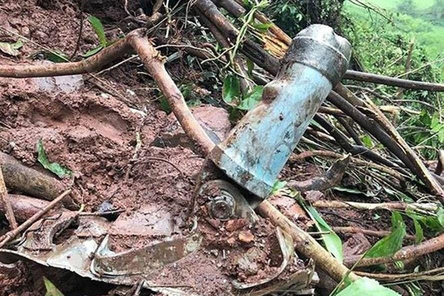 Hiện trường vụ máy bay rơi tại Nghệ An. Ảnh: Nguyễn Tình