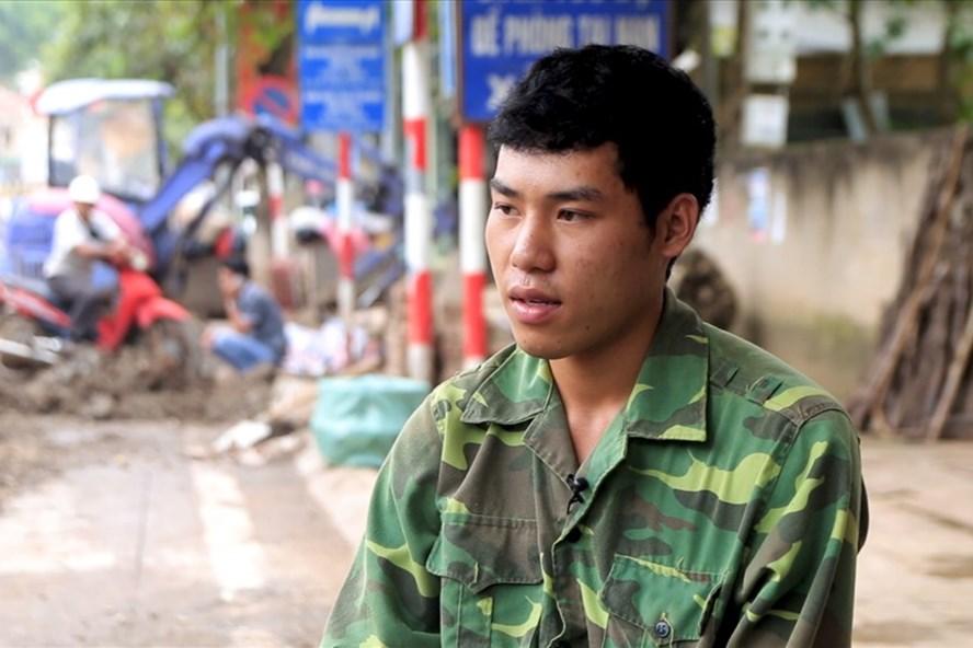 Lò Văn Mạnh (học sinh Trường THPT Thuận Châu, Sơn La), một học sinh giỏi của tỉnh Sơn La buồn rầu kể việc mình bị chỉ trích, quy chụp với những thí sinh được điểm cao nhờ gian lận. Ảnh: Văn Phú.