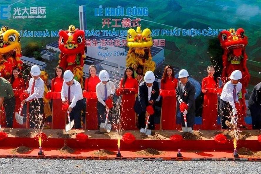 Lễ khởi công nhà máy xử lý chất thải rắn Cần Thơ. ảnh: PV
