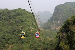Khoan núi mở đường ở Chùa Hương khiến người dân bức xúc?