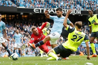 Aguero thăng hoa, Man City hủy diệt Huddersfield 6 - 1