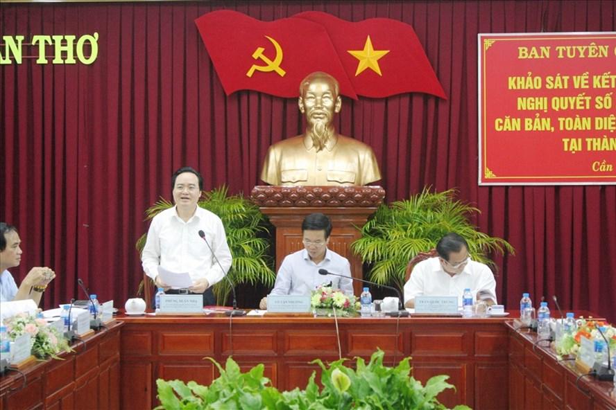 Bộ trưởng Phùng Xuân Nhạ phát biểu tại buổi làm việc. Ảnh: PV