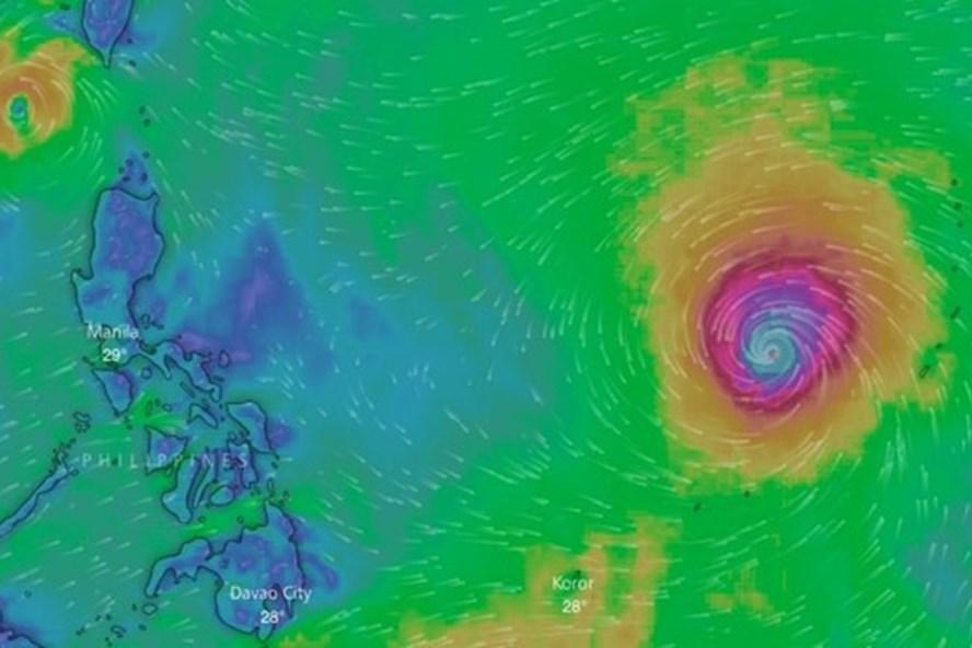 Hình thái bão Mangkhut và cơn bão số 5 (Ảnh: Windy.com)