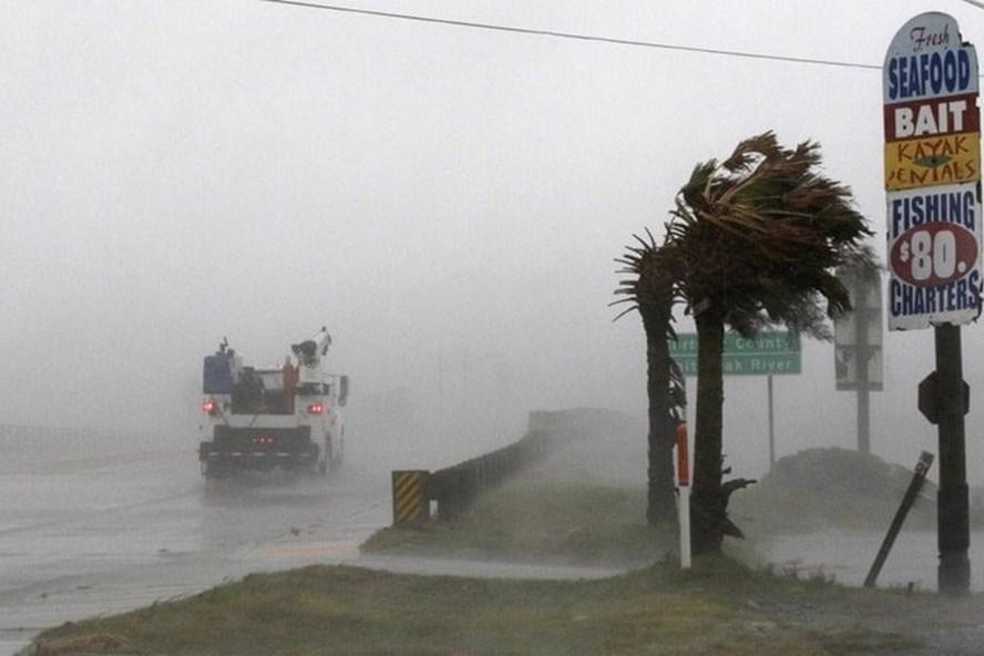 Tổng thống Mỹ ban bố tình trạng thảm họa tại Bắc Carolina do ảnh hưởng của siêu bão - ảnh 1