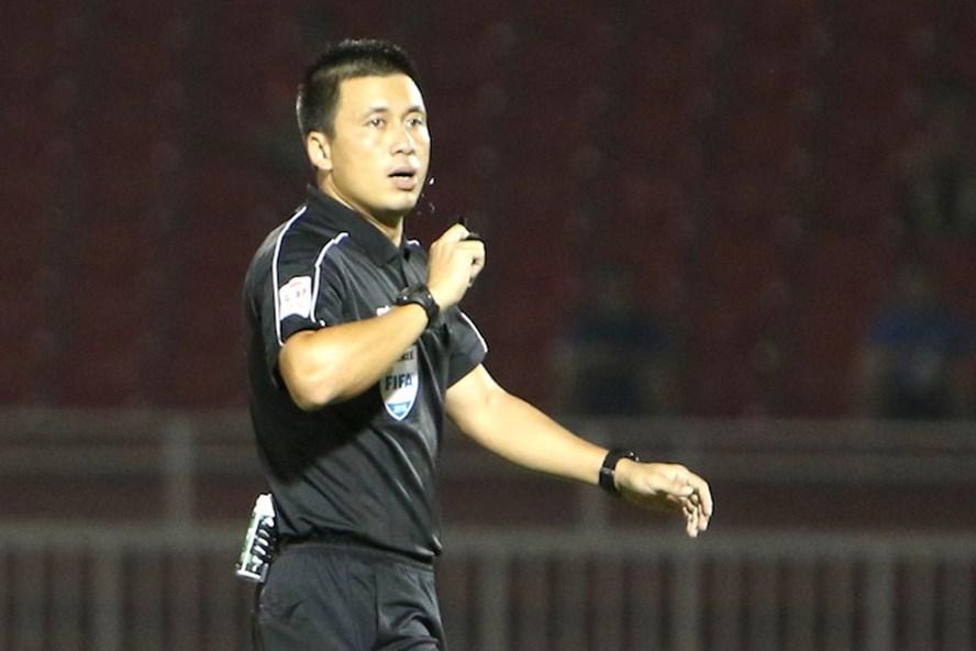 Trọng tài Hoàng Ngọc Hà là 1 trong 4 trọng tài FIFA ở V.League 2018. Ảnh: TL