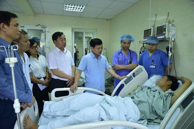 Phó Chủ tịch Hà Nội giải thích việc đi thăm bệnh nhân sốc ma tuý trong lễ hội nhạc điện tử