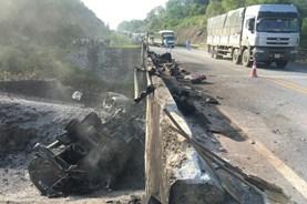 """Nỗi khổ của các tài xế sau vụ xe bồn nổ gây """"đứt"""" cao tốc Hà Nội - Lào Cai"""