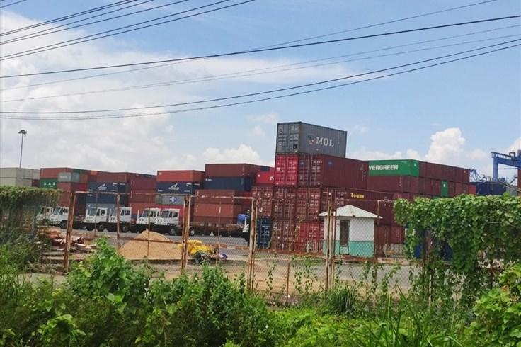 """5.000 container phế liệu bị """"kẹt"""" ở cảng, doanh nghiệp kêu cứu"""