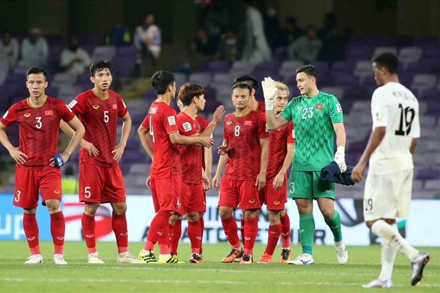 Nhiều cầu thủ Việt Nam từng đối đầu với Jordan. Ảnh: Hữu Phạm