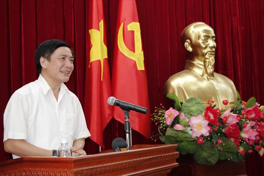 Đồng chí Bùi Văn Cường, Ủy viên Trung ương Đảng, Bí thư Tỉnh ủy phát biểu tại hội nghị. Ảnh: Lê Thành