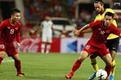 Hùng Dũng lên công về thủ nhịp nhàng trong chiến thắng của tuyển Việt Nam