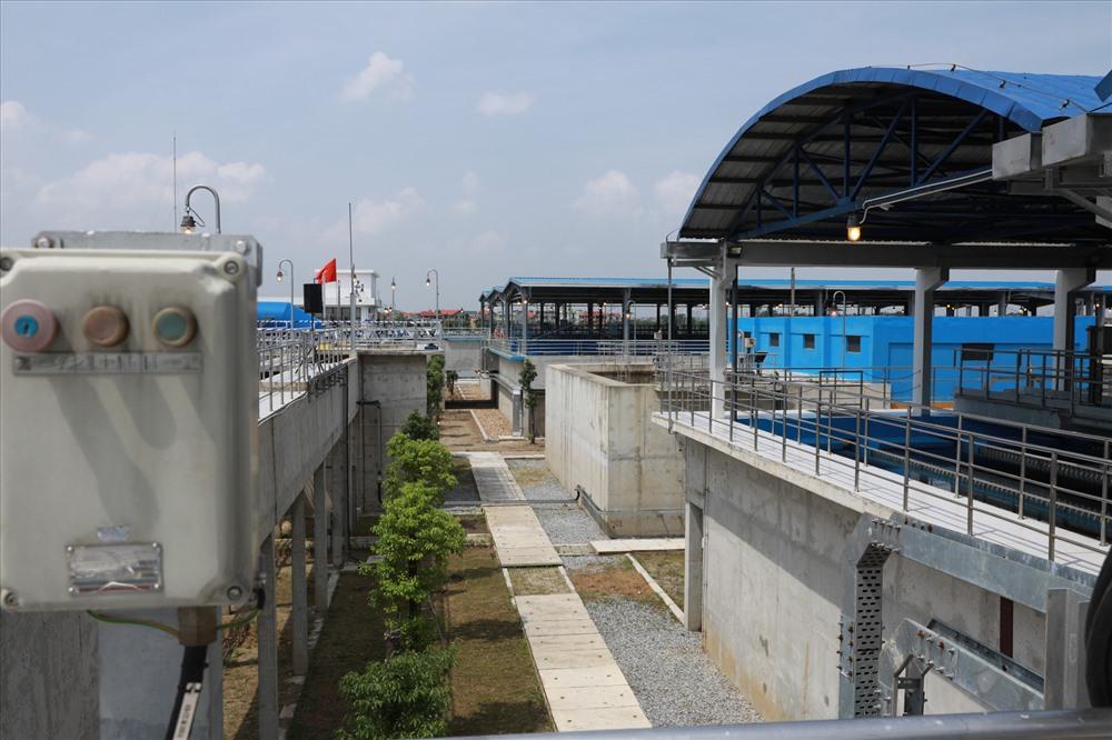 Nhà máy nước mặt Sông Đuống(Hà Nội) vừa đưa vào sử dụng có công suất giai đoạn 1 là 300.000m3/ngày đêm. Ảnh: HẢI NGUYỄN