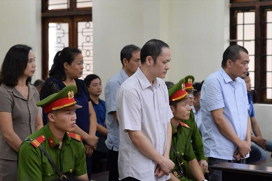 Các bị cáo tại phiên tòa ngày 18.10.