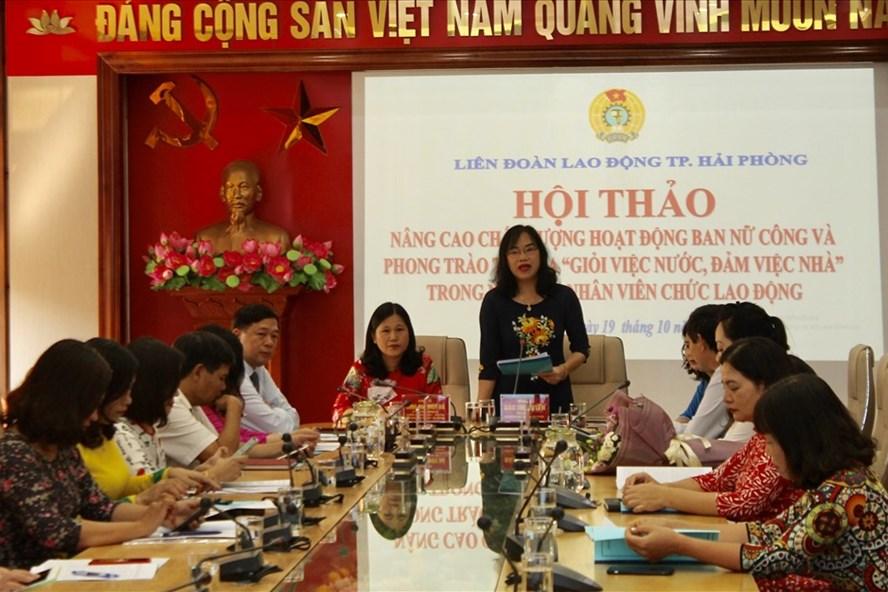 Phó Chủ tịch LĐLĐ TP Hải Phòng Đào Thị Huyền phát biểu tại hội thảo. Ảnh MD